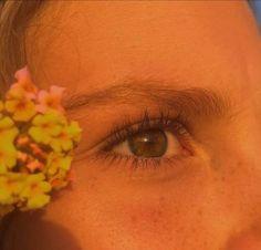 New eye aesthetic golden Ideas Aesthetic Eyes, Gold Aesthetic, Orange Aesthetic, Golden Hour Photos, Ootd, Blue Makeup, Infp, Green Eyes, Aesthetic Pictures