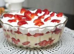 Pavê de Morango   #sweet #dessert #chantilly #strawberry #vanilla #teamcook #recipe #delicious #cybercook #delicia #pave #doce #sobremesa