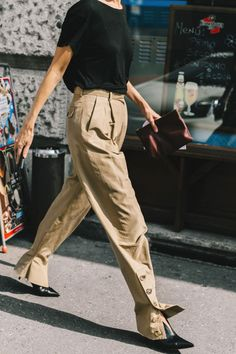 those crazy pleated lightweight trousers