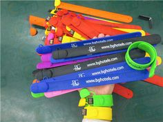 USB Silicone bracelet ideal marking gift printing text and logo www.carausb.com