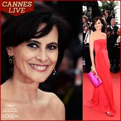 MADAME INES DE LA FRESSANGE dazzles the Red Carpet with that charming smile!