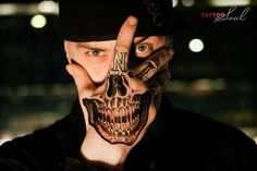 Looking for the best hand tattoos? Hand tattoos for men are bold and rebellious. Because hand tattoos are very visible and painful to get, think twice if you plan on…View Skull Hand Tattoo, Skull Tattoos, Body Art Tattoos, Mens Tattoos, Laser Tattoo, Fake Tattoos, Sleeve Tattoos, Herren Hand Tattoos, Totenkopf Tattoos