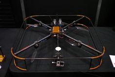 Zion PG560。日本に拠点を置くenRoute Co., Ltd.から発表された空撮などに対応するクアッドコプター。ゴルフコース及びサバイバルゲーム(銃器を模した玩具で行うプレイ)を撮影するのに使われる。飛行時間は15分。