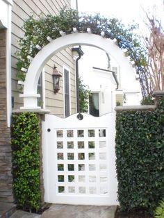 classic • casual • home: Eight Pretty Ideas for Small Gardens