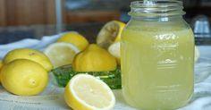Diese 8 Getränke und Tipps helfen Euch, Eure ungeliebten Pfunde ganz einfach wegzutrinken.