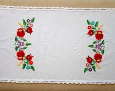 Hand-embroidered small tablecloth with crochetede edge. Authentical Hungarian (Kalocsa-style) embroidery (TABLE-KAL-TR-329)