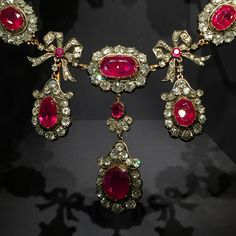 Marjorie Merriweather Post's Ruby and Diamond Necklace - Post acquired in 1966 - thought to have previously belonged to Eugenia Maximilianova, Duchess of Oldenburg Bow Jewelry, Royal Jewelry, Ruby Jewelry, Luxury Jewelry, Modern Jewelry, Fine Jewelry, Fashion Jewelry, Gold Jewellery, Silver Jewelry