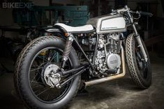 This sharp-looking Yamaha nicknamed 'INXS,' is the latest from Oregon-based Spin Cycle Industries, a side project of architect Eric Meglasson and his friend Josh Edgar. Via Bike EXIF Brat Bike, Scrambler Motorcycle, Motorcycle Style, Enfield Motorcycle, Bobber, Vintage Honda Motorcycles, Custom Motorcycles, Custom Choppers, Classic Harley Davidson
