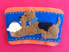 Airedale terrier coffee cozy by Ecotrinkets - Amy Monthei Find a current selection of available Ecotrinkets here: https://www.etsy.com/shop/Ecotrinkets