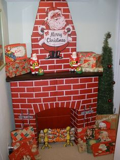 Kitschy Vintage Cardboard Fireplace-This reminds me of my childhood these cardboard fireplaces were everywhere Primitive Christmas, Diy Christmas Fireplace, Fake Fireplace, Christmas Past, Retro Christmas, Vintage Holiday, Christmas Photos, All Things Christmas, Christmas Holidays