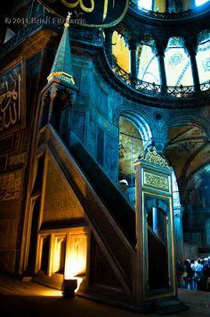 Stairway to Heaven Interesting Buildings, Beautiful Buildings, Hagia Sophia Istanbul, Istanbul Travel, Islamic World, Stairway To Heaven, Grand Tour, Istanbul Turkey, Byzantine