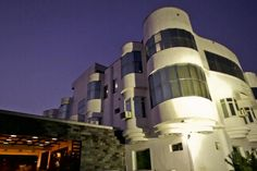 Hotel Eurasia- It is a 3 star property located in  Tonk Road, Jaipur, Rajasthan. The  hotel is surrounded by the ancient Aravali mountains giving it a more attractive look. The hotel has 24 rooms to choose from which are divided into three categories: Deluxe Double Room, Super Deluxe Room and Executive Room.  The hotel staff provides 24 hours room service to their guests. Book a hotel in Jaipur with Goibibo.com at affordable prices and make your travel more convenient.