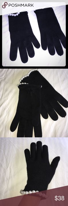 Bergdorf Goodman faux pearl winter gloves ❄️ Soft black Bergdorf Goodman faux pearl gloves . 100% cashmere lightweight and durable . Very worn . Fabulous condition . Very light wear . No snags or stains . Bergdorf Goodman Accessories Gloves & Mittens
