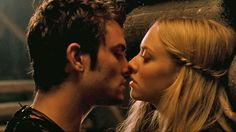 Amanda Seyfried and Shiloh Fernandez | Amanda Seyfried as 'Valerie' and Shiloh Fernandez as 'Peter' in a ...