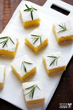 Rosemary Lemon Bars | gimmesomeoven.com #dessert #bars #rosemary #lemon