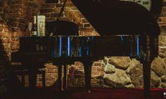 Winiarnia Bachus Bardzo przytulne miejsca. https://slubiweselle.pl/oferta/ad/hotele-i-restauracje-10/winiarnia-bachus-695