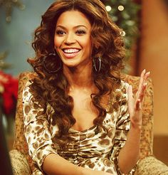 Is it just me..or am I the BIGGEST FAN OF BEYONCÈ?!?!? I LOVE BEYONCÈ!!!!