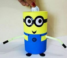 This minion piggy bank is really lovely and looks cute. Try this with your kids at home using cheap materials.