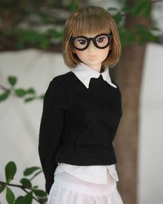 Black and White.  #momokoph #momokodoll #momoko #picoftheday #doll #dollphotography #picbynatts #dollstagram #dolly #dollfromjapan #dollinstagram #instadoll #instadolls #dollartistry #toyartistry_elite | by little dolls room