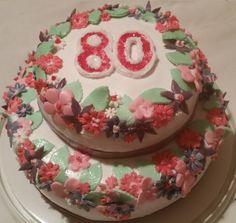 Torte mit Blumen zum 80-ten Geburtstag