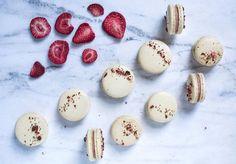 @mariozeats strawberry macarons