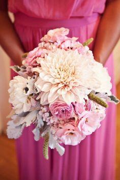 Trendy Wedding, blog idées et inspirations mariage ♥ French Wedding Blog: Les secrets d'un bouquet discret et poudré