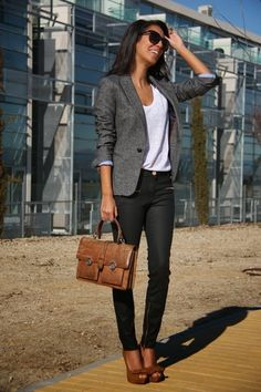 97 Best and Stylish Business Casual Work Outfit for Women – Biseyre Source by therosefashion business casual outfits Blazer Outfits Casual, Blazer Outfits For Women, Blazers For Women, Woman Outfits, Dress Outfits, Ladies Blazers, Fashion Dresses, Blazer Fashion, Casual Women's Outfits
