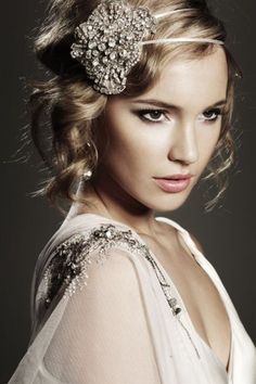 I would like my bridesmaids hair to look like this :)