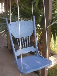Do you have old chairs or broken chairs at home? It makes sense to repurpose these old chairs. There are many creative ways to give these old chairs new uses. Shabby Chic Chairs, Shabby Chic Kitchen, Shabby Chic Homes, Shabby Chic Furniture, Shabby Chic Decor, Outdoor Projects, Diy Projects, Outdoor Decor, Swinging Chair