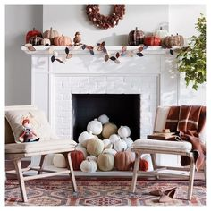 Fall Home Decor Ideas - Love this fall fireplace decor! Decorate your home this fall with chic fall decor