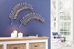 Diese tolle Dekoration ist ein echter Blickfang für Ihre Wand. Die Wanddeko in Form eines Palmblattes ist im Antik Look mit einer glänzend braunen Oberfläche aus Metall gefertigt. Die untere Blattreihe ist mit brünierten Kunststoffglashängern bestückt und macht die Wanddekoration zu einem stilvollen Glanzstück. Das Blatt hat die Maße (B/T/H): 68/4/58 cm.   Artikeldetails:  Tolle Wanddeko, In Fo...