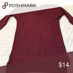Burgundy Sweater Like new women's v- neck sweater. Only worn 2x! Old Navy Sweaters V-Necks