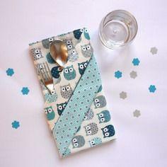 Grande serviette de table enfant, à hiboux et motifs japonais bleu turquoise