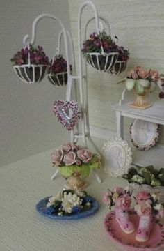 how to: hanging flower baskets - SHE SHOWS HOW TO MAKE THE MAJORITY OF ITEMS SHOWN