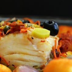 Bacalhau no forno com legumes e alcaparras | SAPO Lifestyle