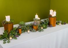Decorate your top table with this beautiful centrepiece, which is super easy to make thanks to this DIY tutorial.