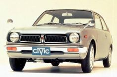 Explore this interactive image: 40 years of the Honda civic by Justin Flitter