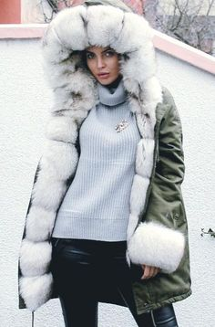 <3 Fur Lined Coat, Fox Fur, Parka, Winter Jackets, Coats, Pretty, Fashion, Winter Coats, Moda