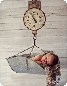 Sweet baby in a scale. Fort Worth Newborn Baby Photography Baby Scale Newborn Black and White Pictures Camp Bowie Photography Aves-8644