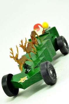 Pinewood Derby Car Designs DIY Projects Craft Ideas & How To's for Home Decor with Videos Co2 Cars, Girl Scout Activities, Scout Games, Pinewood Derby Cars, Bamboo Art, Christmas Car, Wooden Car, Wood Burning Art, Wood Toys