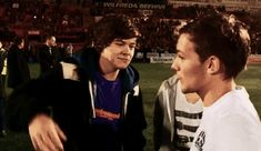 I'm your Larry godmother One Direction Fotos, One Direction Humor, I Love One Direction, Fanfic Larry Stylinson, Larry Shippers, Zayn, Larry Gif, Mutual Respect, Louis And Harry