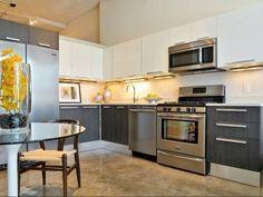 West Town Chicago IL - Apartments for Rent - Gym, Pool, Rooftop, W, Gar Pkg, Pets OK! - RentSocial
