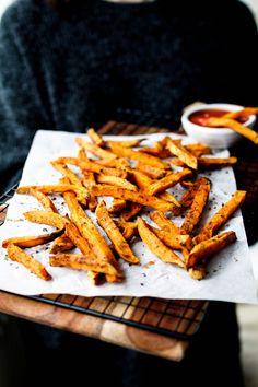 Leckere & gesunde Süßkartoffel-Pommes aus dem Ofen