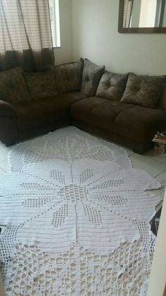 Diy Carpet, Rugs On Carpet, Crochet Chart, Crochet Patterns, Crochet Home, Colorful Rugs, Embroidery, Blanket, Sewing