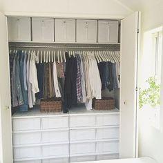 みなさんは現在のお部屋の収納に満足されていますか!?しっくりくる収納方法が見つからなくて悩んでいる方もいるのではないでしょうか? 今回は、お部屋の場所別に便利そうだと感じた「収納」をまとめてみました。 収納に悩んでいる方に、少しでも参考になればと思います!