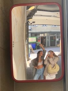 Room Girls - Bright Idea - Home, Room, Furniture and Garden Design Ideas Pacsun, Urban Outfitters, Best Friend Pictures, Friend Photos, Cute Friends, Best Friends, Brandy Melville, Beach Model, Christian Dior