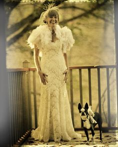 Vintage chic bride in ivory lace