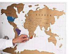 Het wordt al jaren gedaan: een wereldkaart ophangen en spelden steken op de bezochte plaatsen. Deze scratch map is hier een variant van.