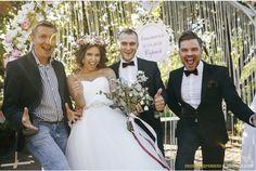 Bride, Wedding Dresses, Fashion, Bridal Dresses, Moda, Bridal Gowns, Wedding Gowns, Wedding Bride, Weding Dresses