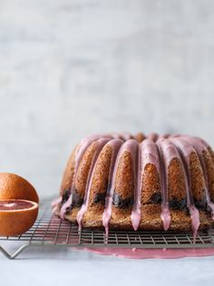 This blood orange coffee cake is made with greek yogurt and the most delicious blood orange glaze! Perfect for a winter breakfast or brunch! This is super easy and tastes fantastic. It also makes a lovely dessert. Homemade Cake Recipes, Cupcake Recipes, Baking Recipes, Dessert Recipes, Cupcakes, Cupcake Cakes, Bundt Cakes, Streusel Cake, Naked Cakes